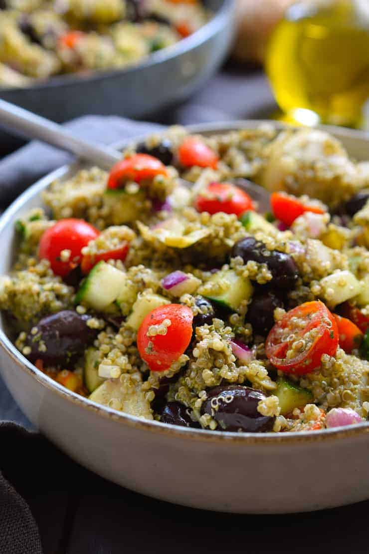 Pesto quinoa salad the stingy vegan for Easy side dishes to make